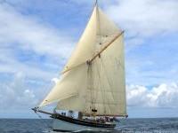 Annabel J full sail